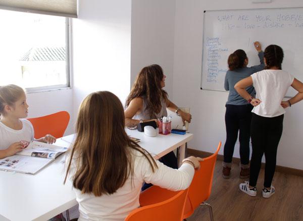 3 sencillos trucos para aprender Español en Marbella international spanish school
